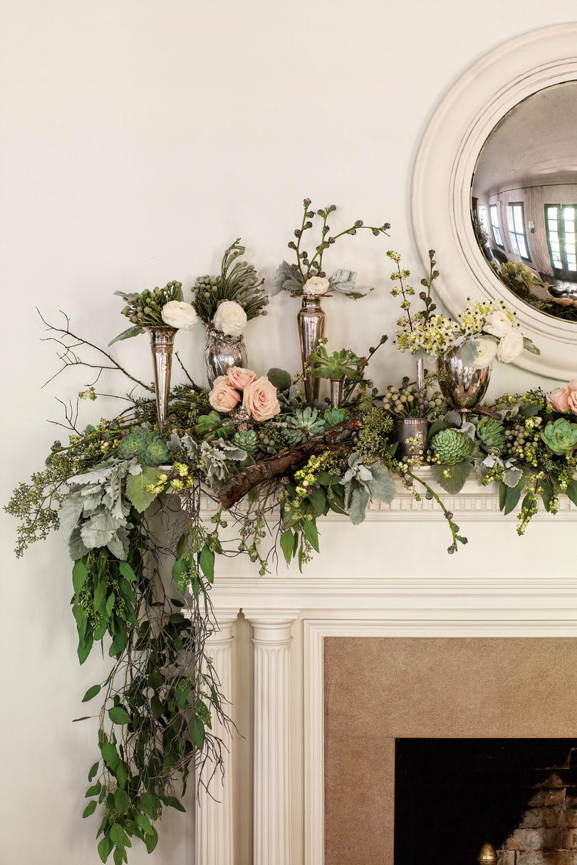 Horní Your Mantel with Winter Blooms