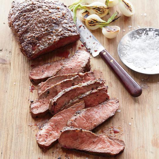 クイック and Easy Dinner Recipes: Pan-Seared Flat Iron Steak