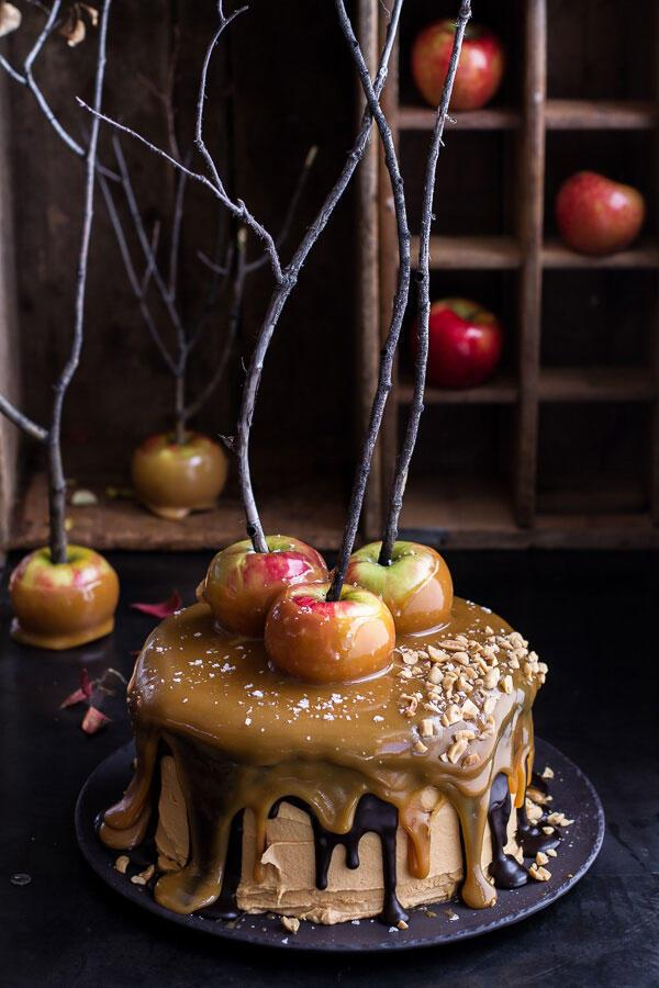 карамел Apple Halloween Cake