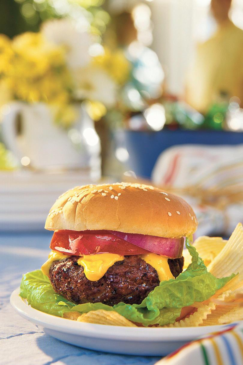 父's Day Recipe Ideas: Spicy Cheddar-Stuffed Burgers
