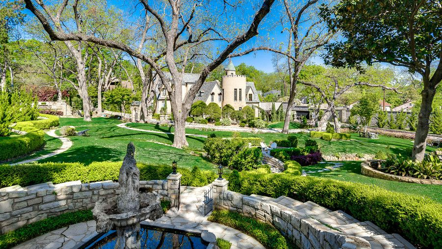 Syd Living Dallas Chateau Des Grotteaux Manicured Grounds