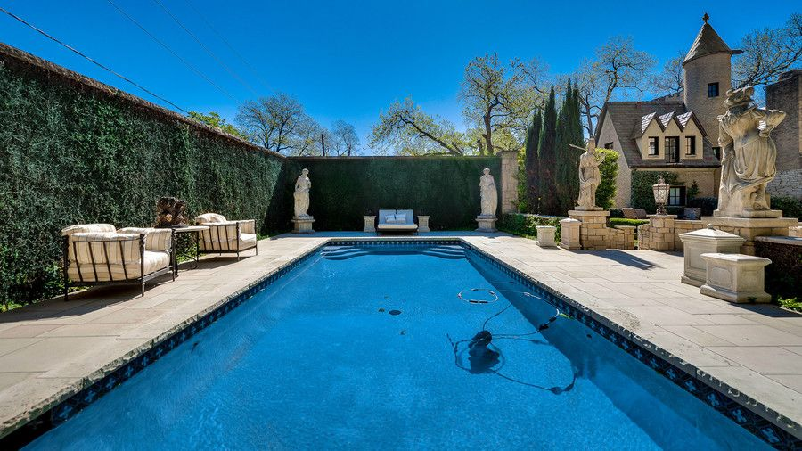 Syd Living Dallas Chateau Des Grotteaux Pool