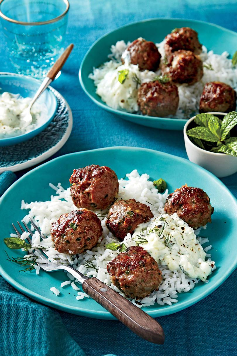 ギリシャ語 Meatballs with Cucumber-Yogurt Sauce