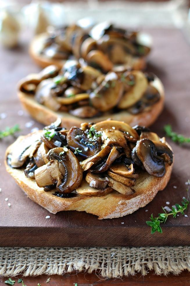 Champignon Bruschetta with Balsamic and Thyme