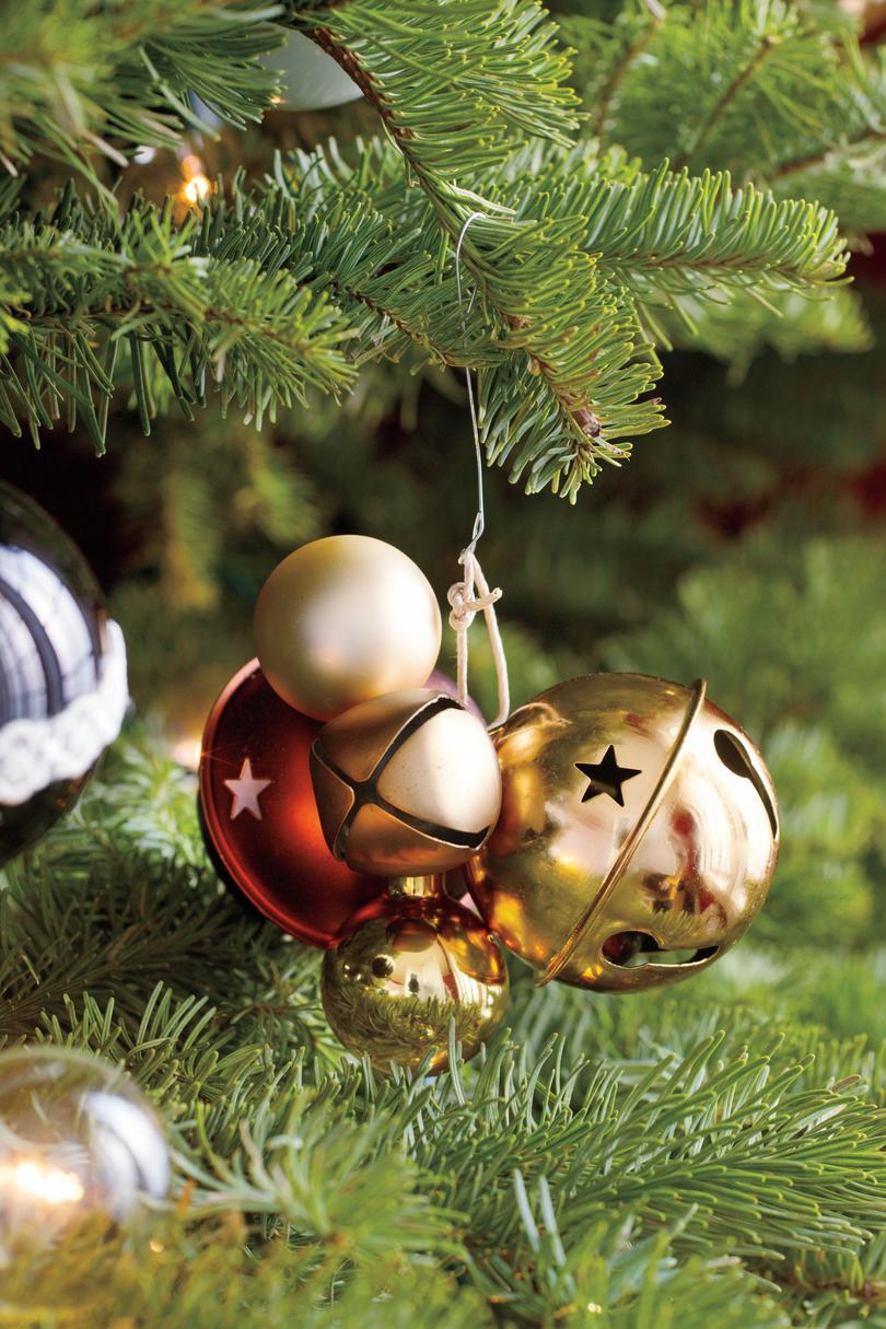 Vánoce Decorating Ideas: Bell Ornaments