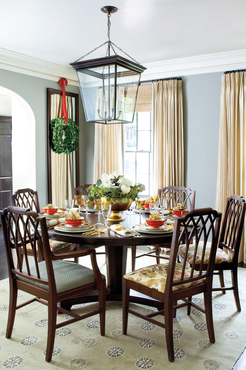 Vánoce Decorating Ideas: Round Dining Table