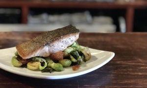 Lo que debes hacer cuando cocinas salmón