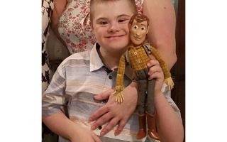 "Hvor er Woody? ""Texas Family lancerer Desperate Search for Boy's Missing Doll"