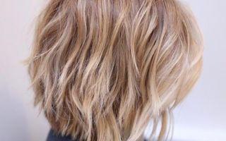 La iluminación intermedia es el secreto del color del cabello que todos necesitamos saber sobre