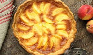 この桃のデザートはパイに作るのが簡単です