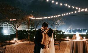 Tato elegantní zimní svatba zachycuje nostalgické kouzlo Savannah