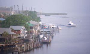 Apalachicola-Florida's Side هادئ
