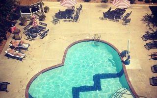 Оставянето на хотел Heartbreak: Новото имущество на Елвис разкри
