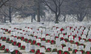 Arlington National Cemetery Facing Mangel på Remembrance Wreaths i år