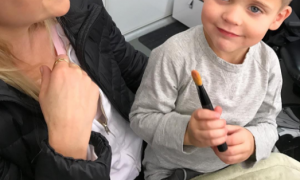 Reese Witherspoonの爱らしい4歳の息子の「就学前の问题」はあまりにもかわいすぎる