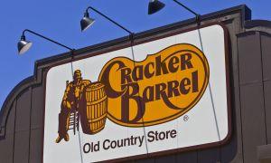 Hvor blev Cracker Barrel fået sit navn?
